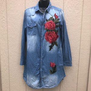 April Jeans Chambray Embroidered Tunic sz XL